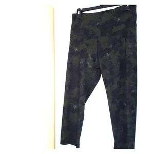 Old Navy Active Cropped Workout Pants